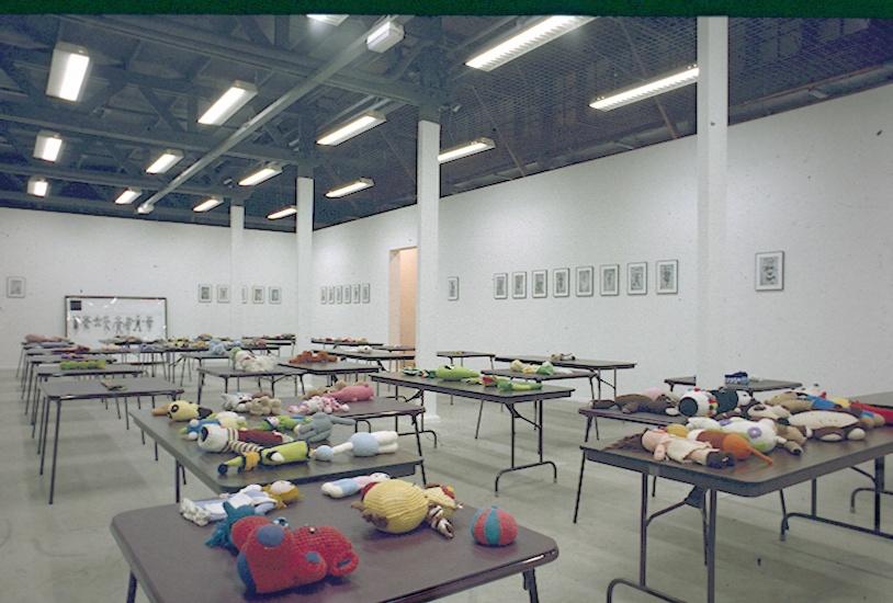 Mike Kelley : Een selectie van werken/A selection of works 1985-1996