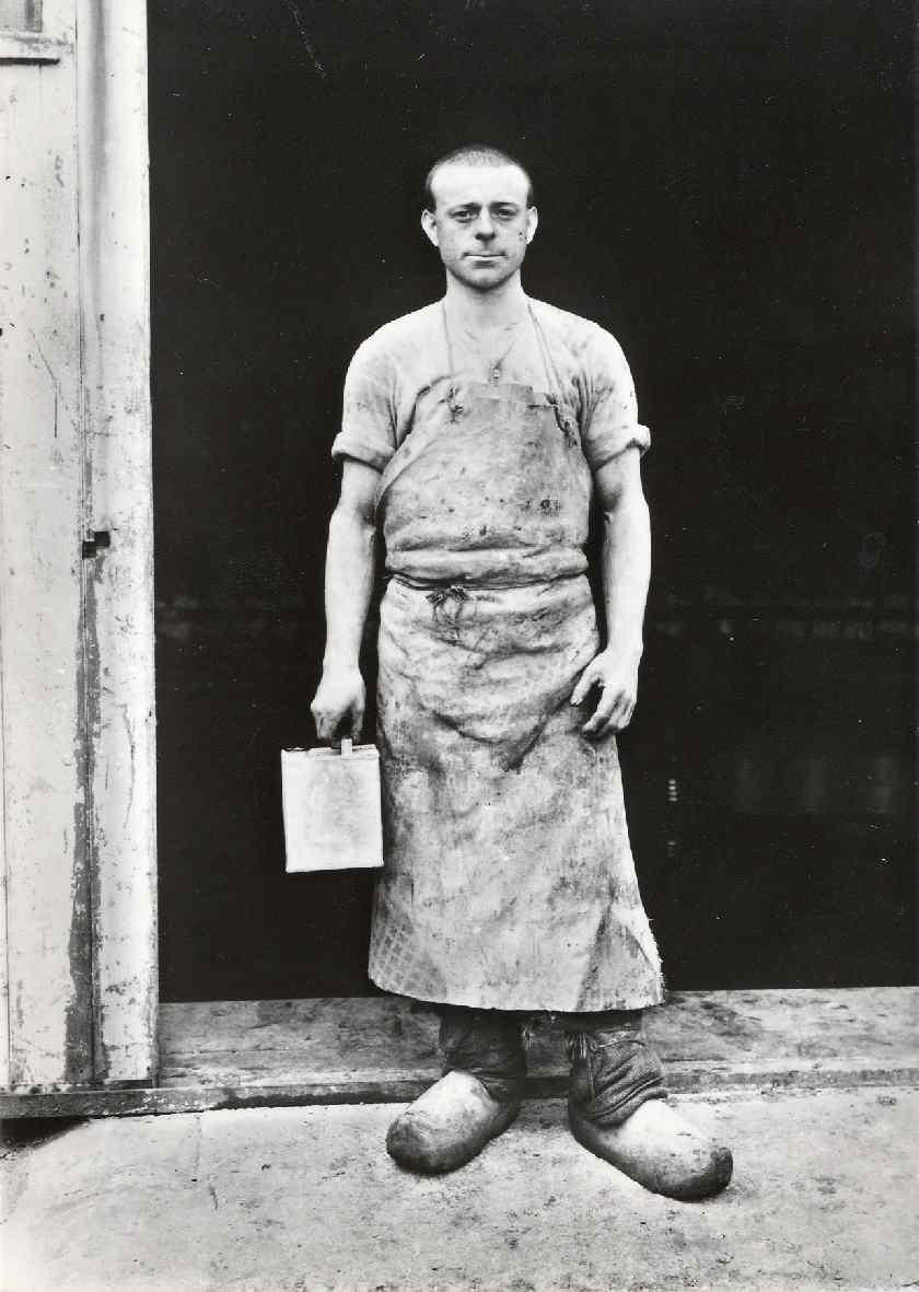 Konfrontatie 2 : Foto's van August Sander (1876-1964) en Willem Diepraam (1944)