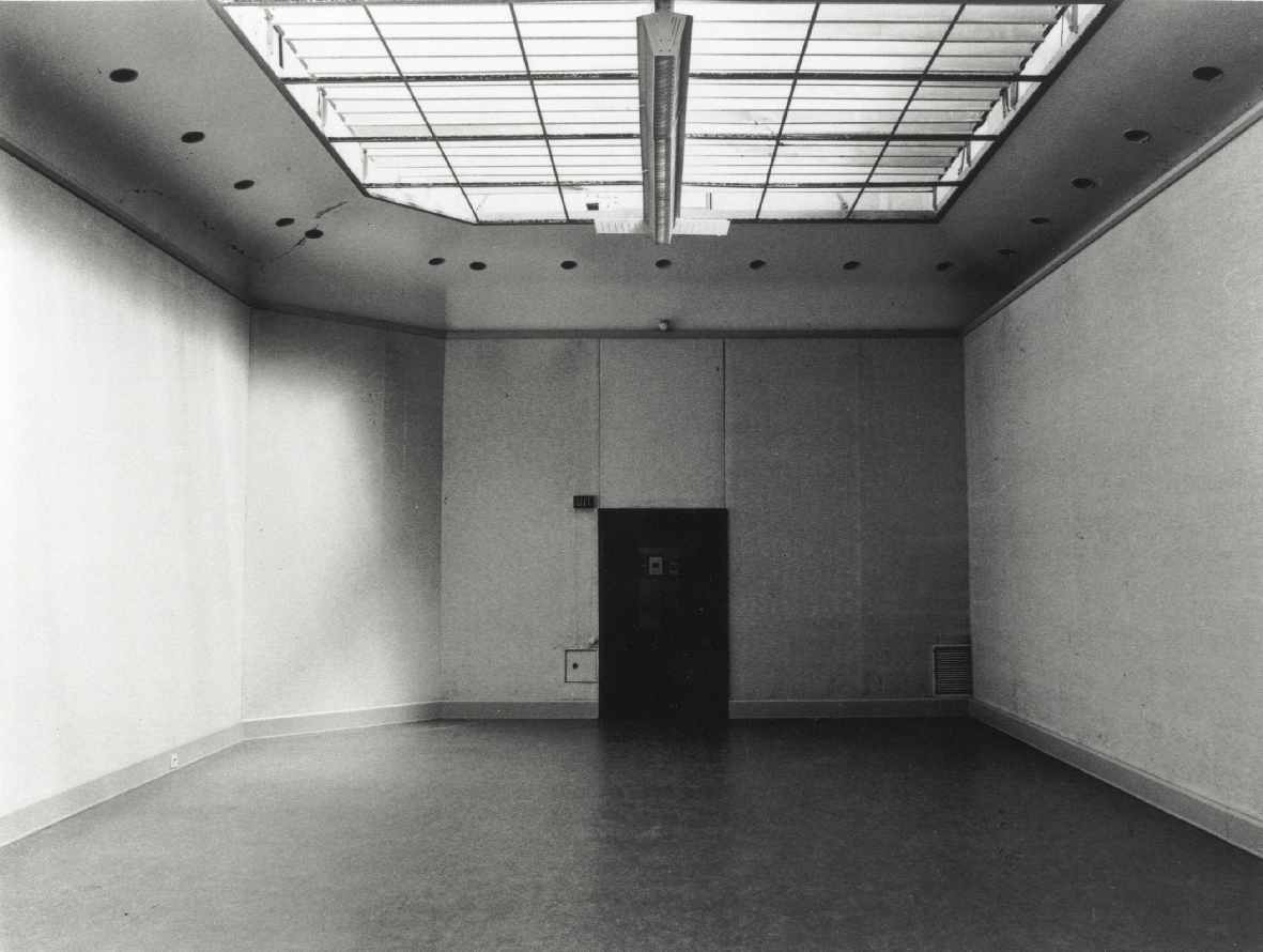 Michael Asher : Installation/Inrichting van ruimtes