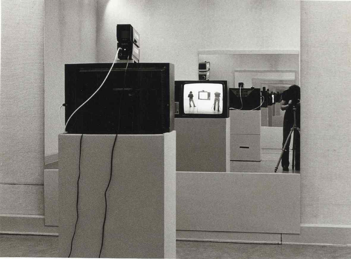 Dan Graham : Video-installaties, foto's, films, conceptueel werk