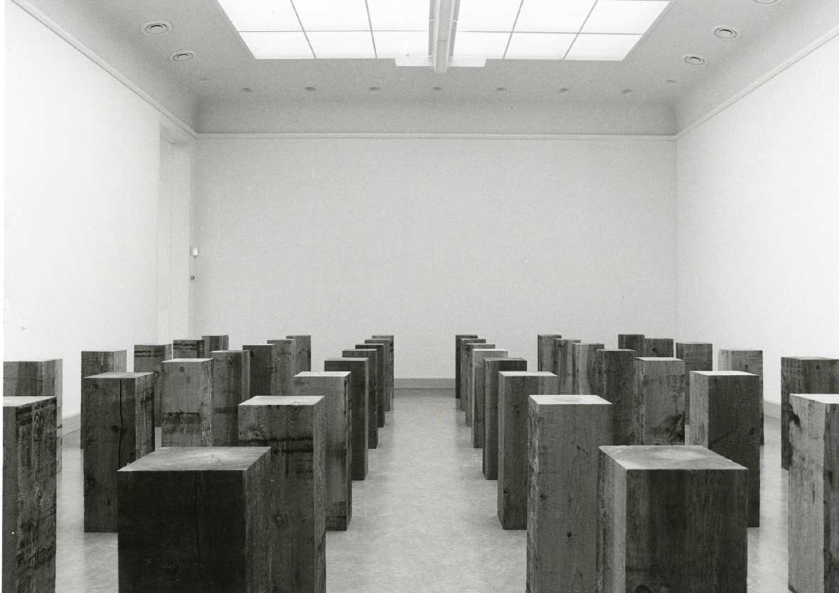 Carl Andre : Sculptures in wood/Beelden van hout