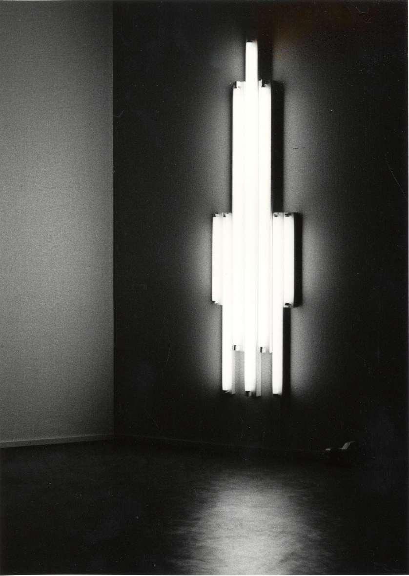 Kunstenaars die met kunstlicht werken : Een keuze uit werk vanaf 1967