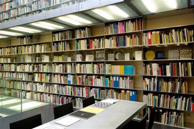 Bibliotheektentoonstellingen: Morellet en de lichtkunst