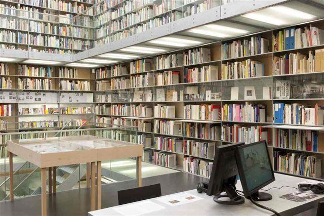 Bibliotheektentoonstellingen: Rot - Roth - Ròt
