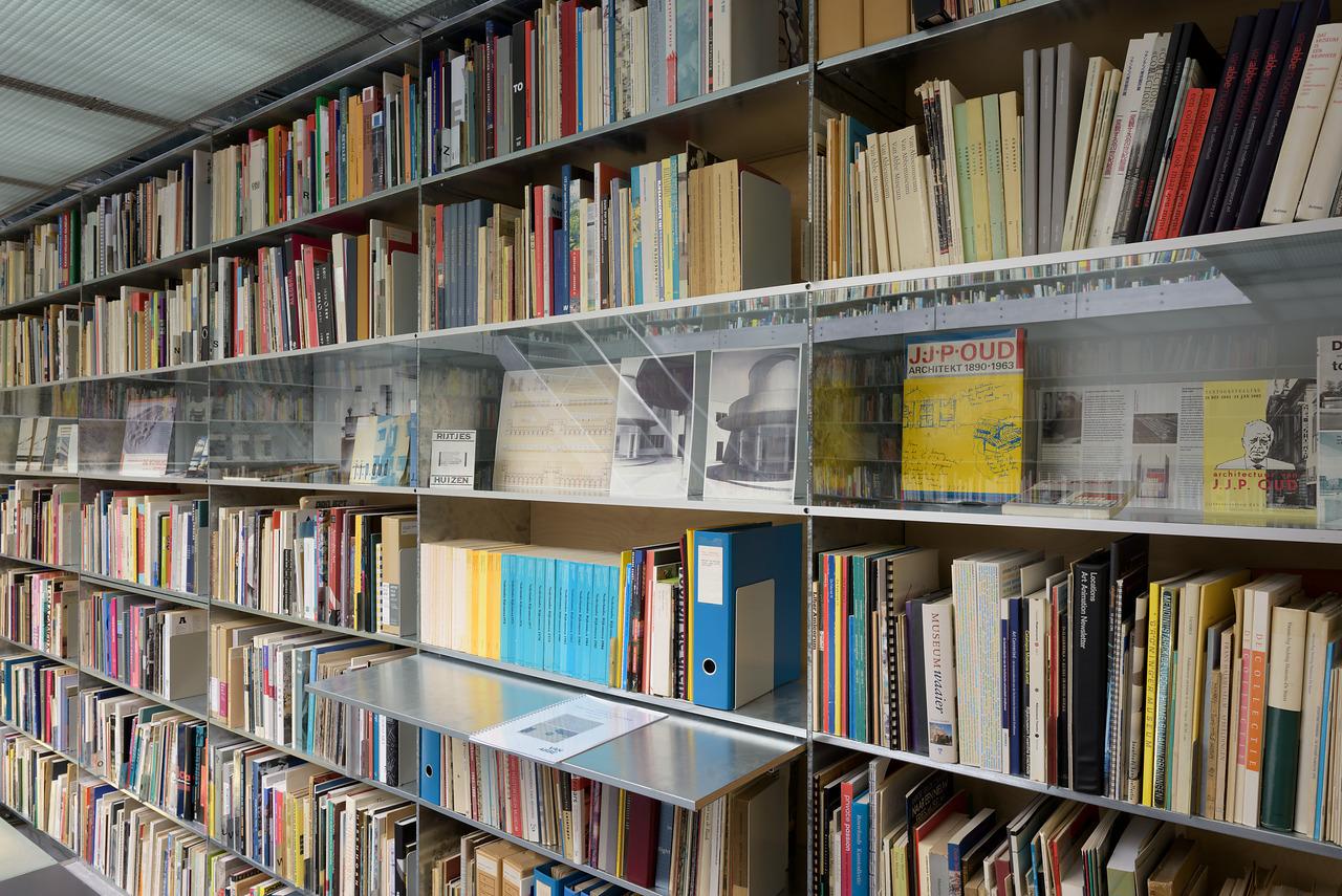 Bibliotheektentoonstellingen: 100 jaar De Stijl: Lissitzky en Oud in dialoog