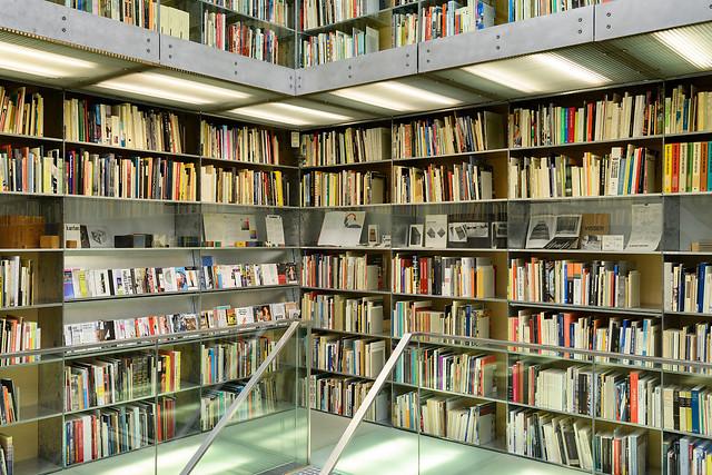 Bibliotheektentoonstellingen: 100 jaar De Stijl: Echo's